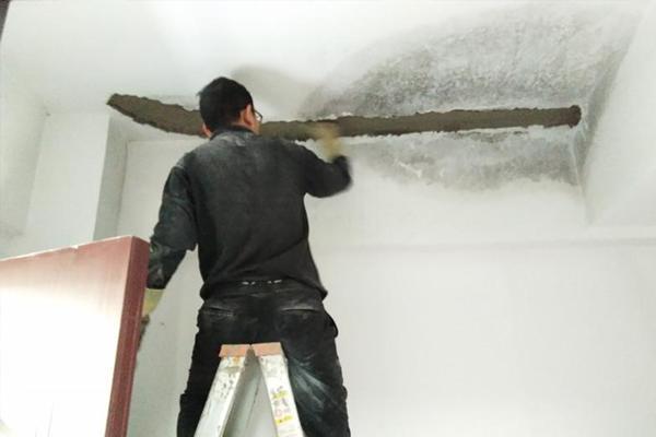 外墙裂缝漏...